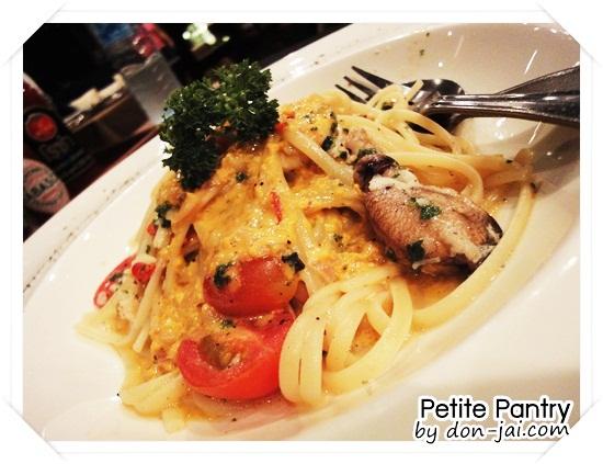 Petite_Pantry_038