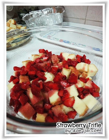 Strawberry_Trifle010