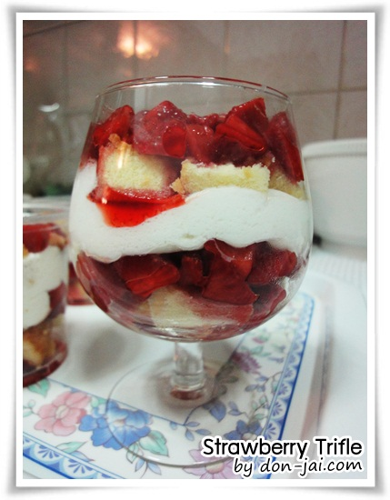 Strawberry_Trifle011