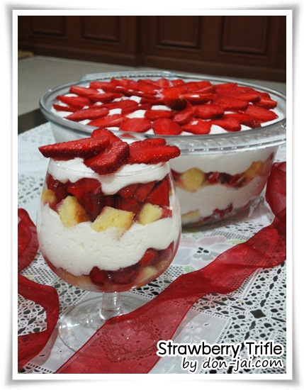Strawberry_Trifle012
