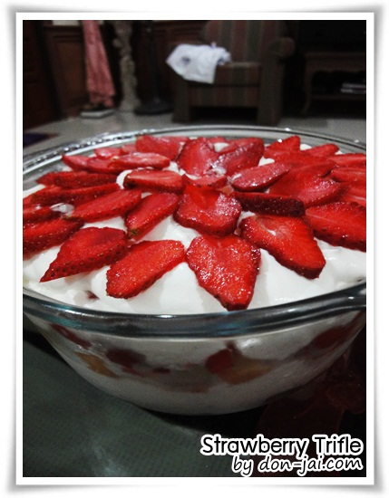 Strawberry_Trifle013