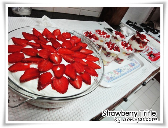 Strawberry_Trifle034