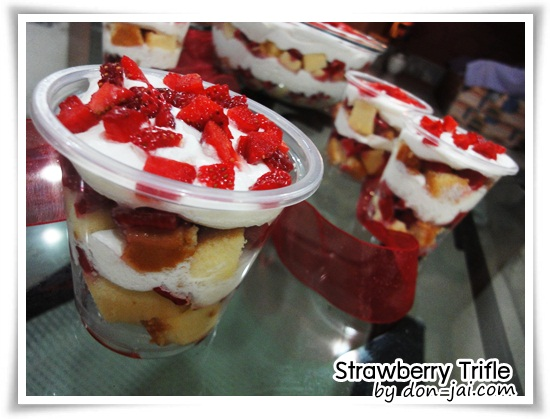 Strawberry_Trifle035