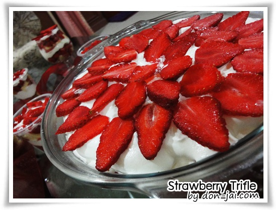 Strawberry_Trifle037