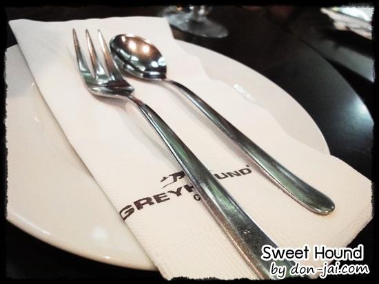 Sweet_Hound_025
