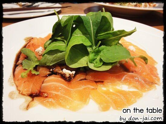 รีวิวโดนใจ >> On the Table : ร้านฟิวชั่นสไตล์ญี่ปุ่น บรรยากาศสุดชิค ที่ Central Plaza Grand Rama 9