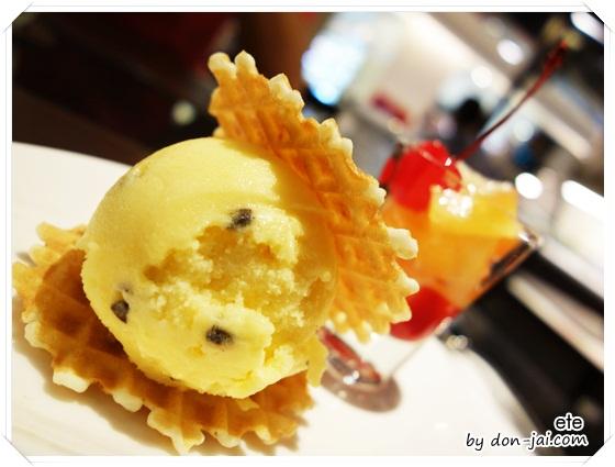 รีวิวโดนใจ >> ete (เอเต้) หลากไอศกรีมอร่อย กับของหวานสุดน่าทาน ที่สาขาสีลมคอมเพล็กซ์