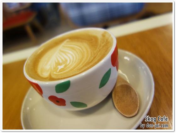 รีวิวโดนใจ >> Skog Cafe (สก๊อกคาเฟ่) ร้านบรรยากาศน่ารัก สำหรับนั่งชิลล์พร้อมเครื่องดื่มที่หลากหลาย