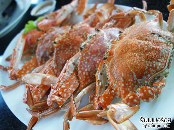 รีวิวโดนใจ >> มุมอร่อย ร้านอาหารทะเล สดๆ ติดริมทะเล นั่งทานไปรับลมเย็นไปที่ชลบุรี