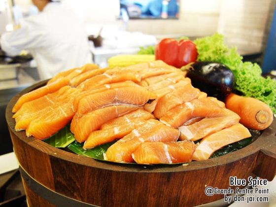 รีวิวโดนใจ >> Blue Spice บุฟเฟ่ต์อาหารโรงแรม Grand Centre Pointในราคา 440 บาท