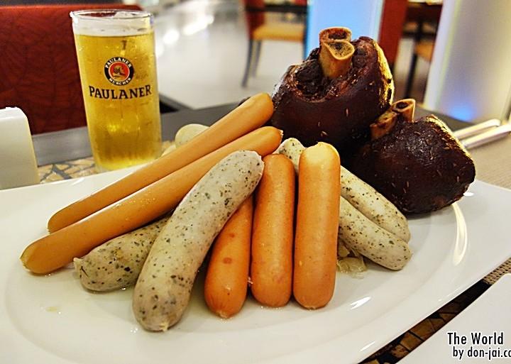 รีวิวโดนใจ >> The World กับบุฟเฟ่ต์มื้อค่ำ 7 วัน 7 ธีมของโรงแรมCentara Grand CentralWorld